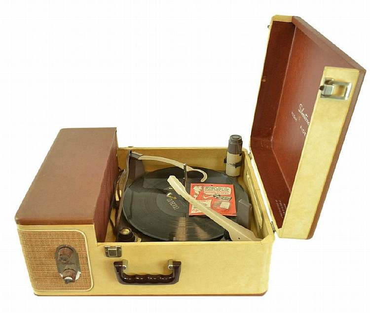 Vintage Silvertone High Fidelity record player.