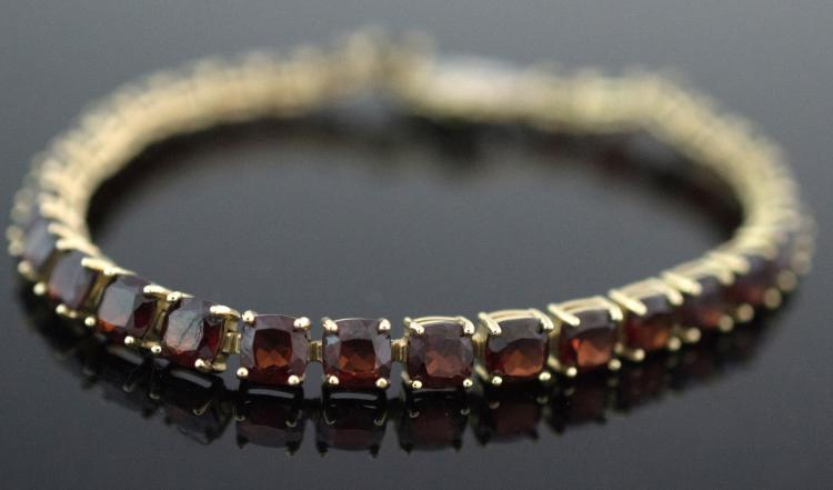 14K Yellow Gold Garnet & Diamond Bracelet