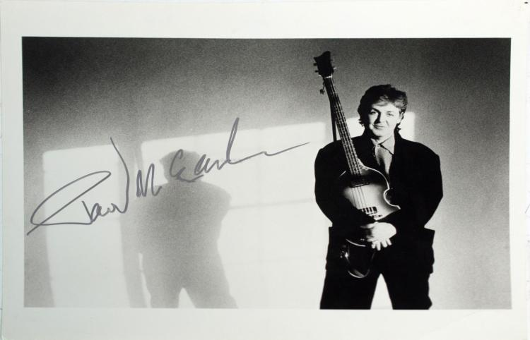 Autographed Paul McCartney Photo 1990 World Tour