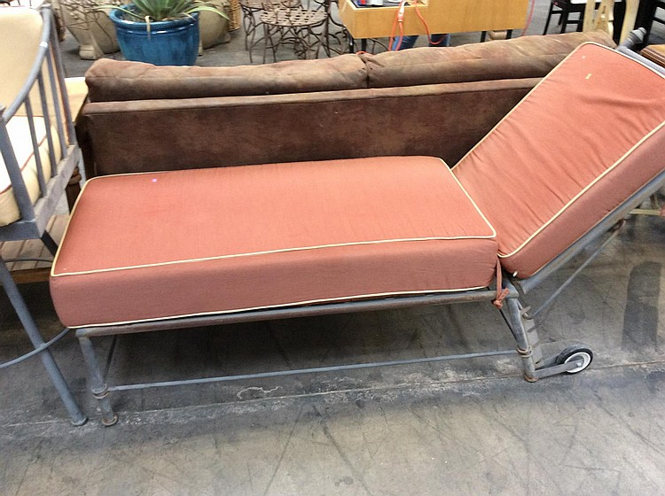 Iron outdoor chaise lounge for Big and tall chaise lounge