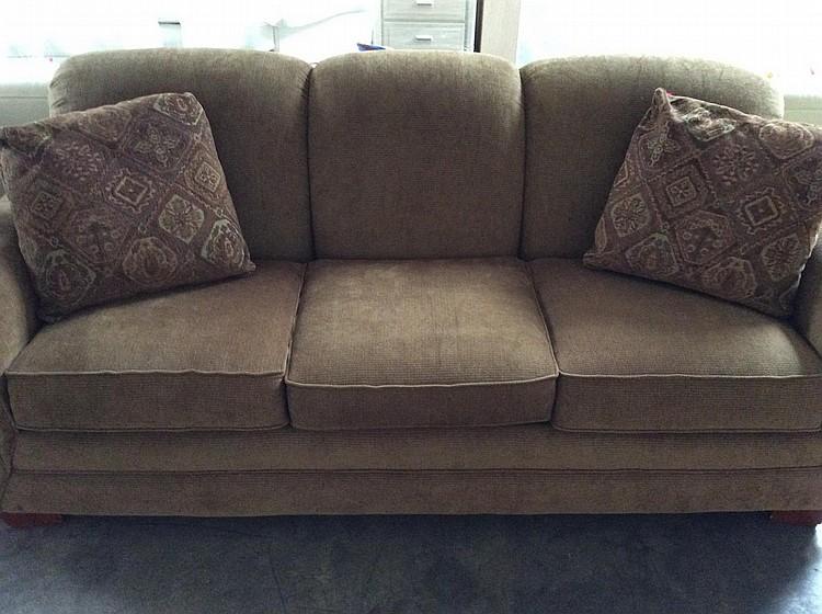 Like New La Z Boy Sleeper Sofa