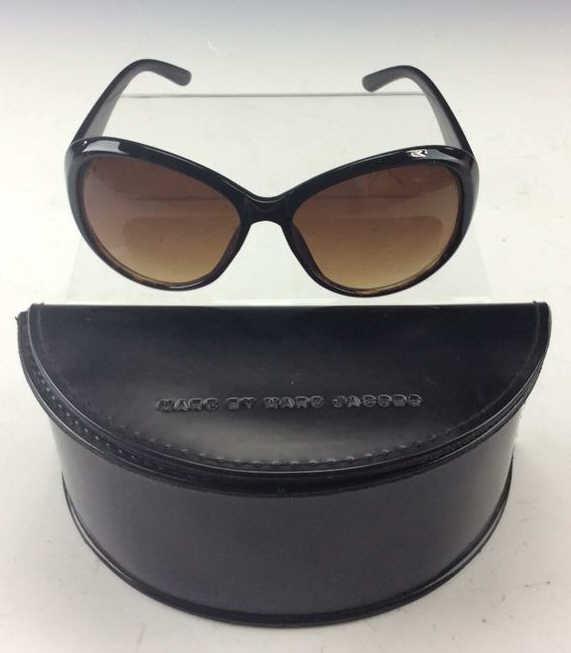 Marc Jacobs Sunglasses W Case