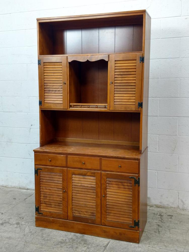 2Pc Ethan Allen Dining Room Hutch 2