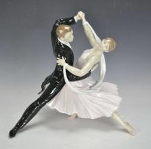Lladro Elegant Foxtrot Dancing Figure 8638