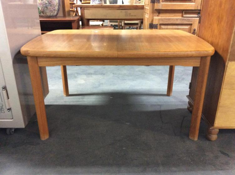 Mid Century Modern Dining Table W Hidden Leaves