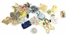 Designer & Fashion Costume Jewelry Brooches