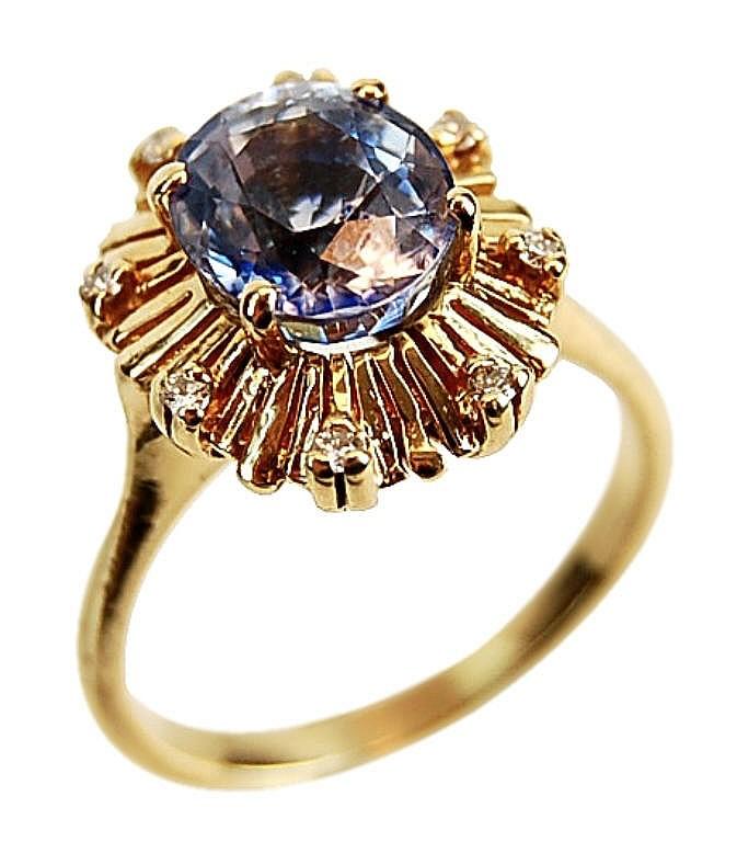 Tanzanite & Diamond Ring in Gold