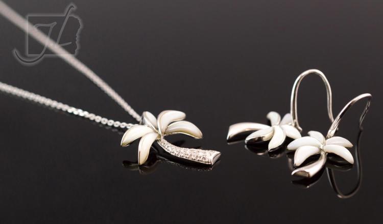 14K Gold Diamond Na Hoku Necklace & Earring Set