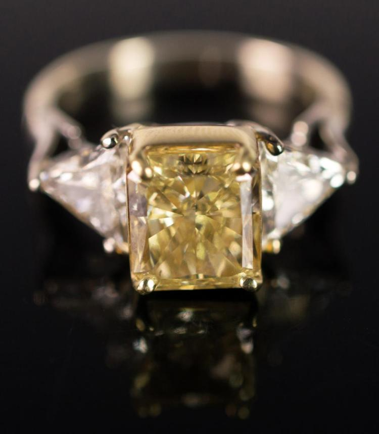 18K White Gold, Yellow Diamond Ring, 3.09 Carat