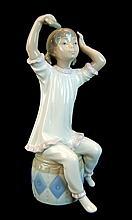 Lladro Porcelain #1148 - Girl Shampooing
