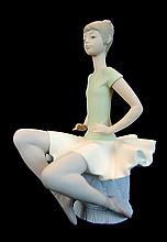 Lladro Porcelain #1360 - Ballet Green No. 5 Matte