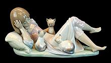 Lladro Porcelain #5760 - Interrupted Nap