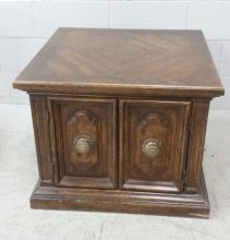 Traditional Oak Wood Storage Side Table