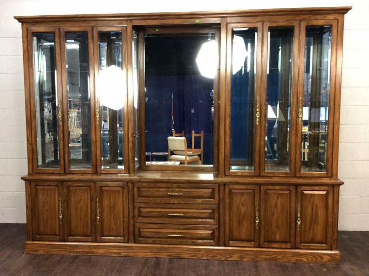 20th C. Large Traditional Oak Wood Display Cabinet