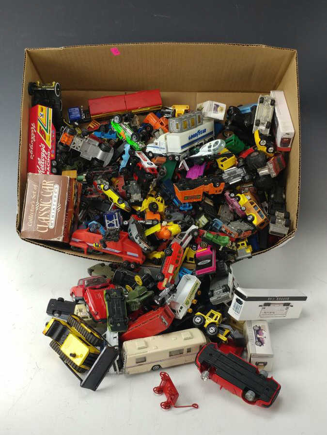 100+ Die Cast Toy Cars, Trucks & Toy Lot