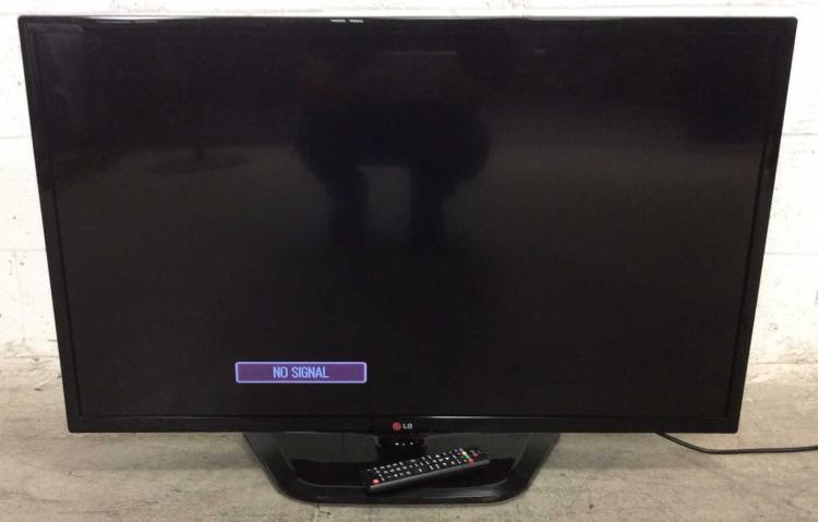 LG 39'' LED HDTV TV Model 39LN5300 w/ Remote