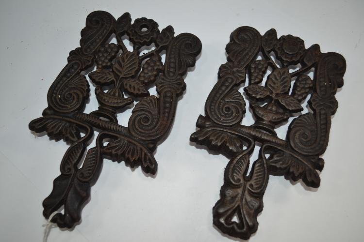 To Vintage Matching Decorative Cast Iron Trivets