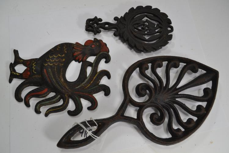 3 Vintage Cast Iron Trivets And Rooster
