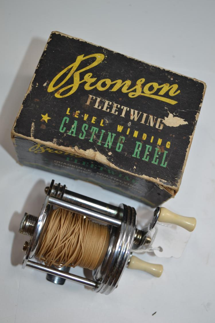 Vintage Bronson Fleetwing Number 2475 Bait casting Reel In Original Box With Paperwork