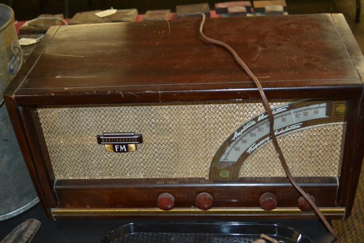 Vintage Working Westinghouse Am Fm Model H 161 Home Radio