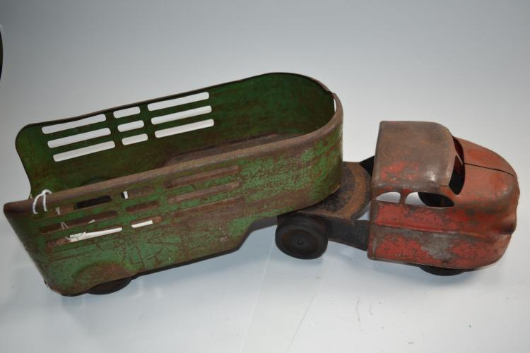 Antique Windup Toys Express Pressed Steel Cattle Truck And Trailer