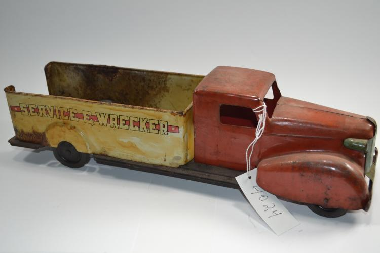 Antique Wyandotte Pressed Steel Service E  Wrecker Toy Truck
