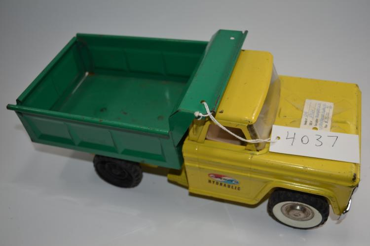 Vintage Structo Toys Hydraulic Lift Pressed Steel Dump Truck