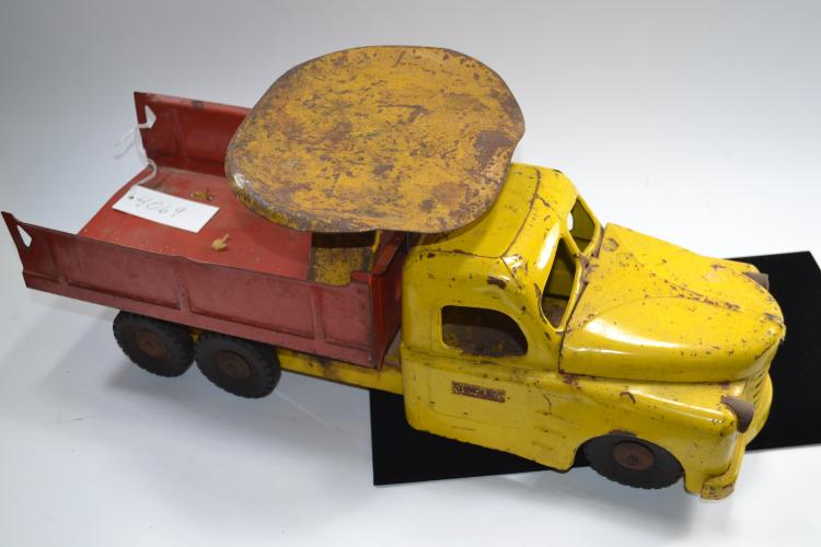 Antique Structo Toys Pressed Steel Dump With Ride On Seat Truck