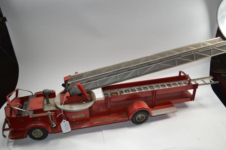 Vintage Charles Wm Doepke Mfg Model Toys Pressed Steel Rossmoyne Aerial Ladder Fire Truck