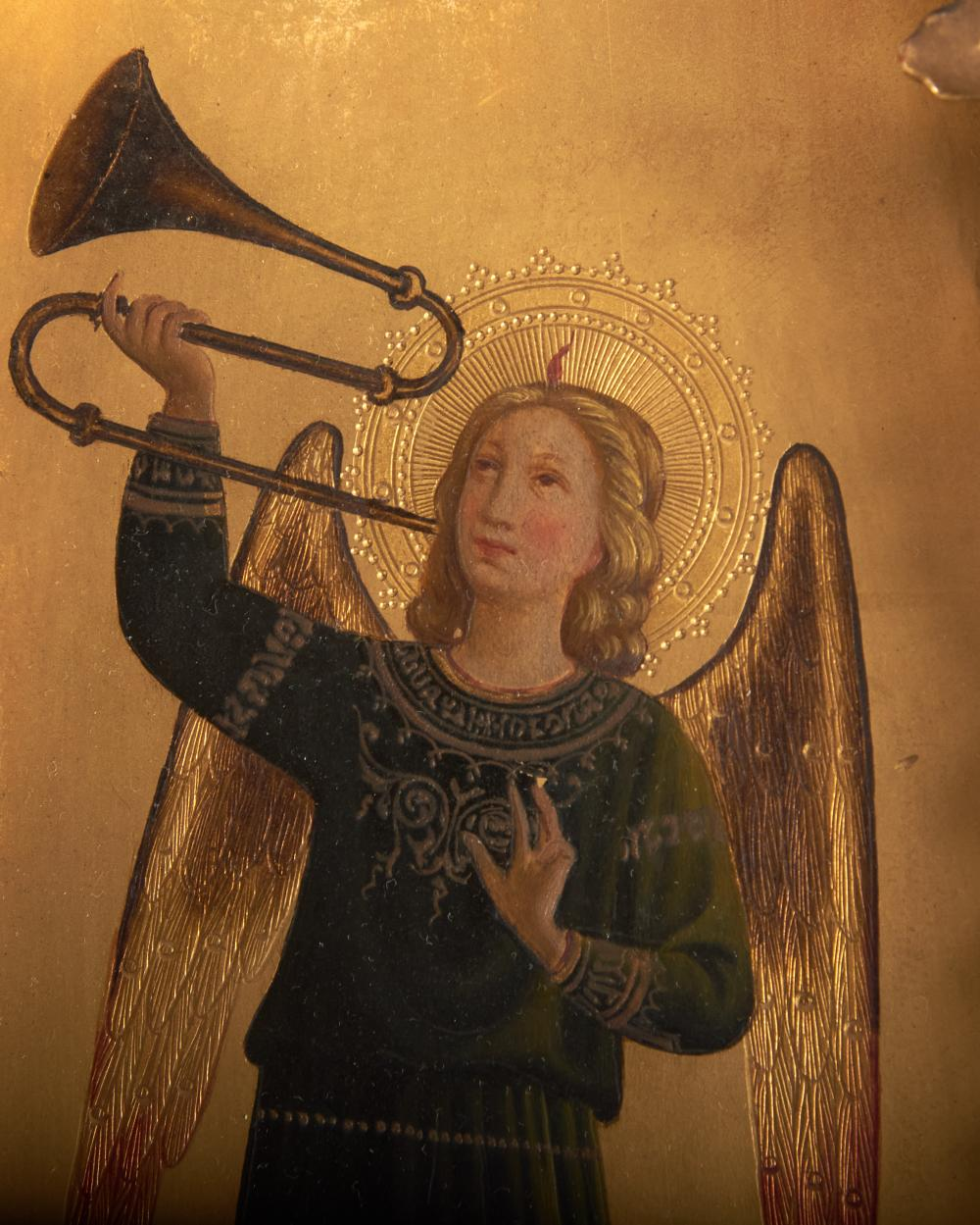 After Fra Angelico, Italian, Heralding Angels, a pair of oil paintings on gilded shaped panels, 21 x 6 1/2 inches
