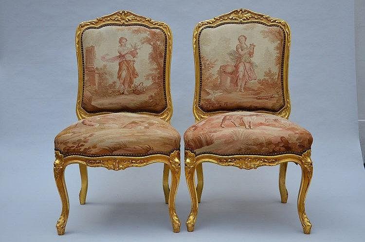 une paire de chaises louis xv avec tissu aubusson