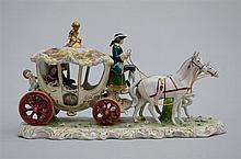 Group in German porcelain 'coach'  (20x50x27cm)