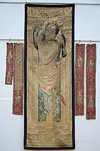 Lot: fragment of a Flemish tapestry with four small textile fragments (70x200cm)
