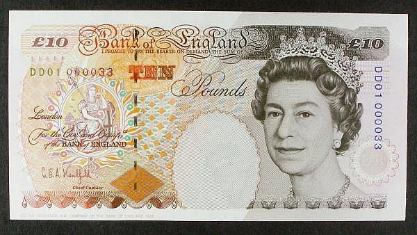 Ten Pounds Kentfield B369 issued 1993 official first series and very low number DD01 000033, Pick386a, about UNC