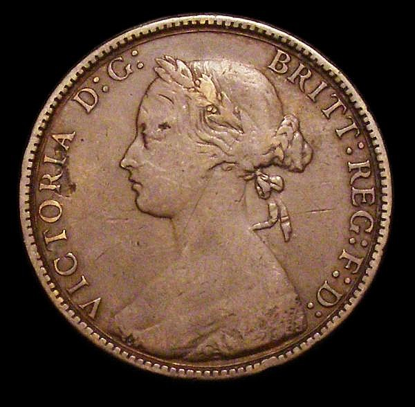 Copper and bronze a mixed group George II to Victoria (141) we noticed some scarcer types, in mixed grades a handful EF