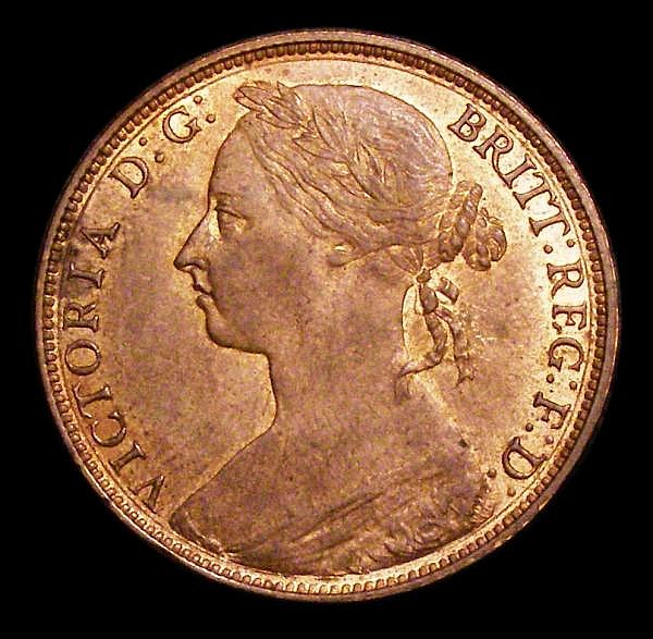 Penny 1882H Freeman 114 dies 12+N EF with traces of lustre, the reverse with a few small spots