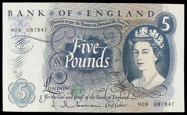 Five pounds Hollom B298 issued 1963, prefix M09 replacement, AU scarce thus