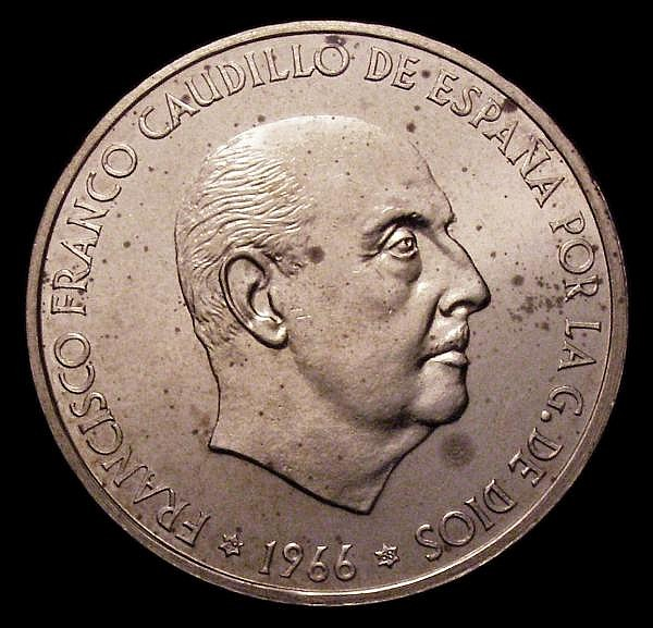 Spain 100 Pesetas 1966 (68) as KM#797 GVF and prooflike, with some spots on the obverse, we note the Proofs are unlisted for this date and type, this certainly with a completely different finish to the currency coin