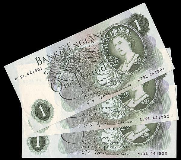 One Pound Fforde G Reverse a consecutive trio R72L 441901, R72L 441902, R72L 441903 UNC