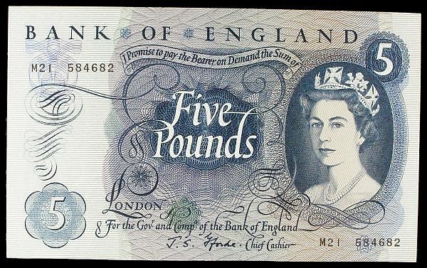 Five pounds Fforde B313 issued 1967 replacement series M21 584682, Pick375br, EF to GEF, scarce