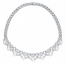 4.74 ct Diamond and Pearl Heart necklace