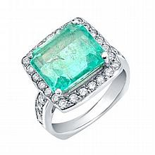 0.89 ct Diamond and 6.95 ct Emerald Ring