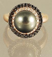 1.16ct Diamond and 8.12 Pearl Ring