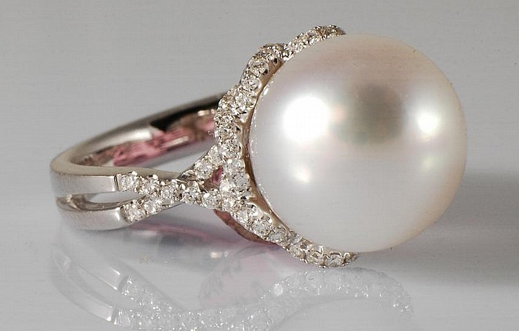 18K Gold, Pearl and Diamond Ring