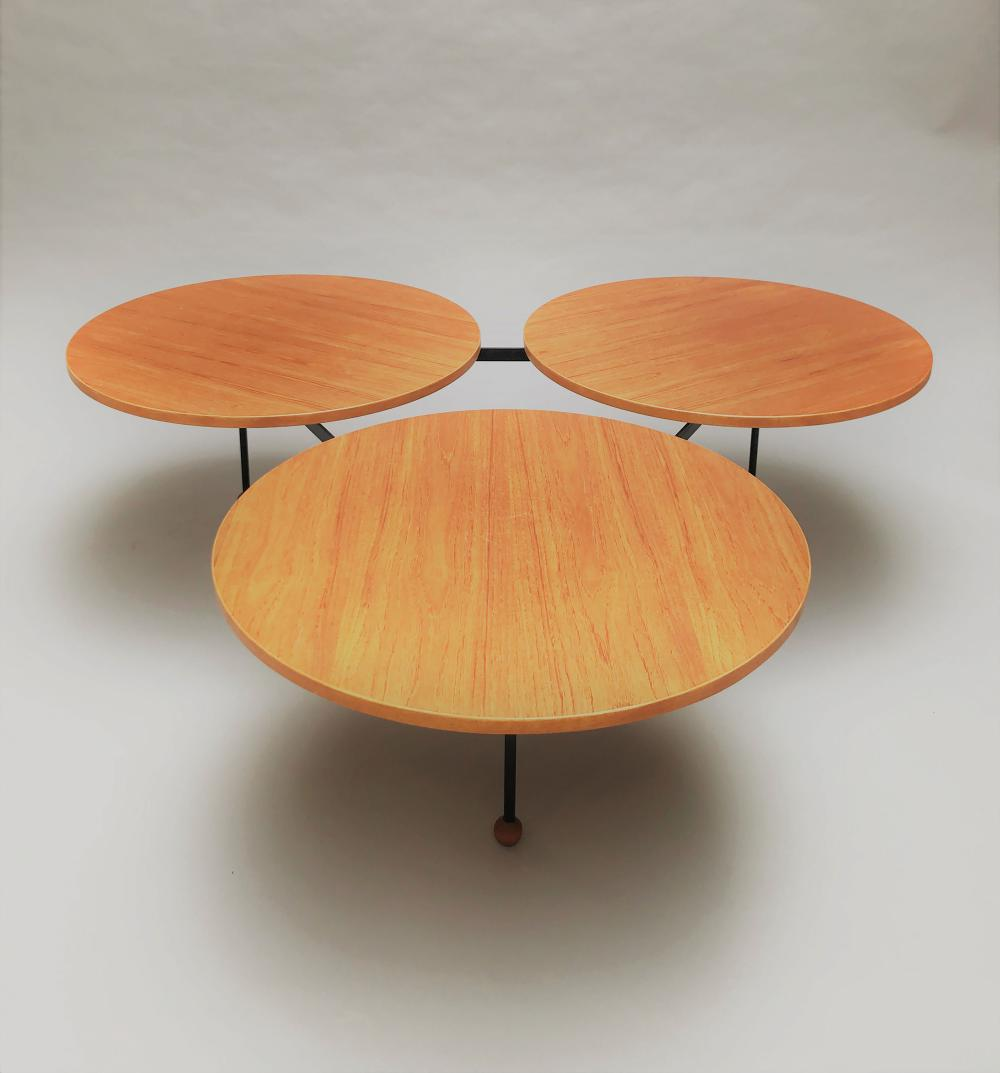 Greta MAGNUSSON-GROSSMAN (1906-1999) SUEDE  Table basse modèle Flying saucer
