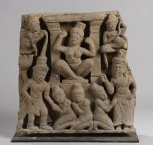 Frise de sanctuaire illustrant le départ du Prince Siddhârta Gautama quittant le monde matériel de son royaume familial vers l'ascétisme de la vie du Buddha.