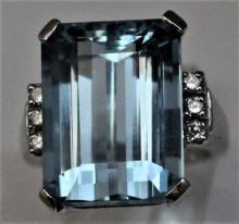 Large 14K Aquamarine & Diamond Estate Ring