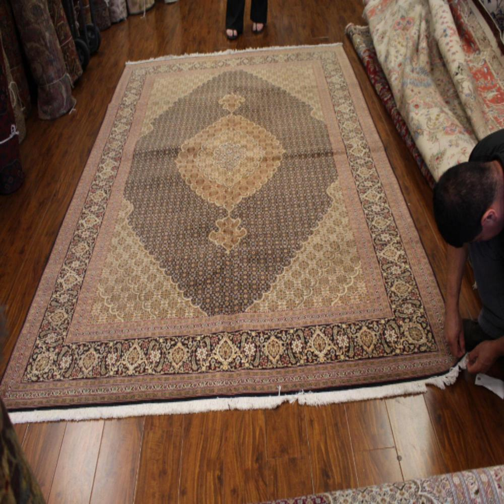 Rugs & Carpets For Sale At Online Auction