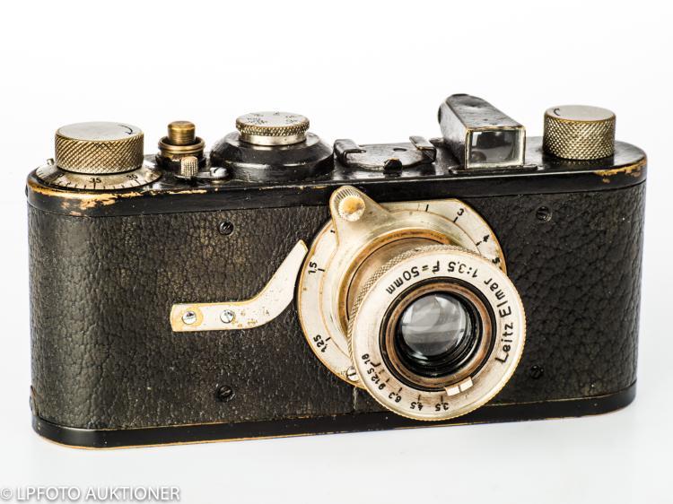 Leica in (A) No.10328