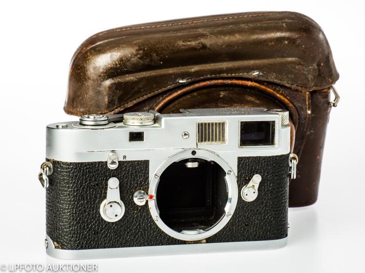 Leica M2 No.1050584